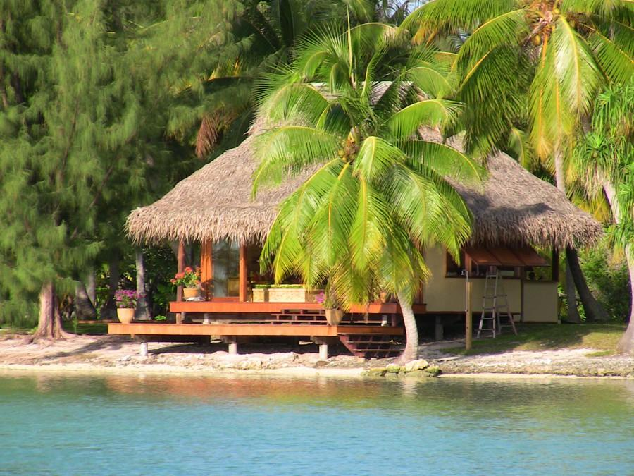 Tahitian style Guest Bungalows on Motu Moie, private island for sale