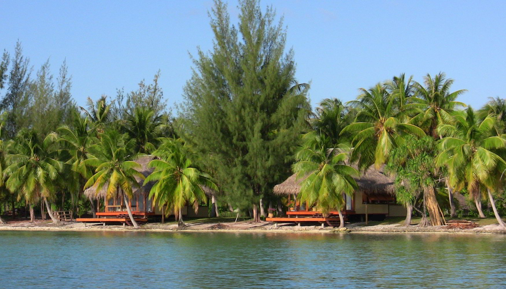 Resort Guest bungalows with ocean view