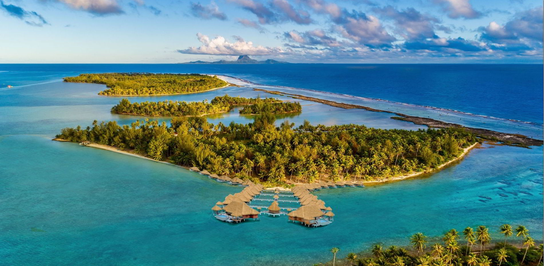 Example of a tropical resort on Motu Moie Tahiti island for sale