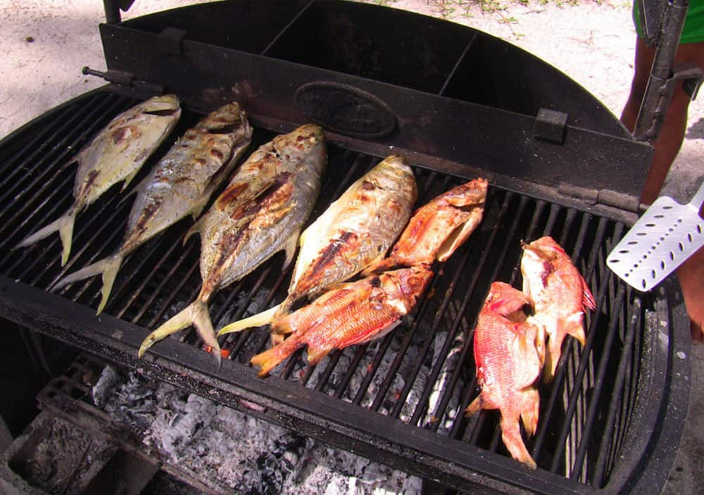 Grilled fish for lunch on Motu Moie, Tahiti island for sale