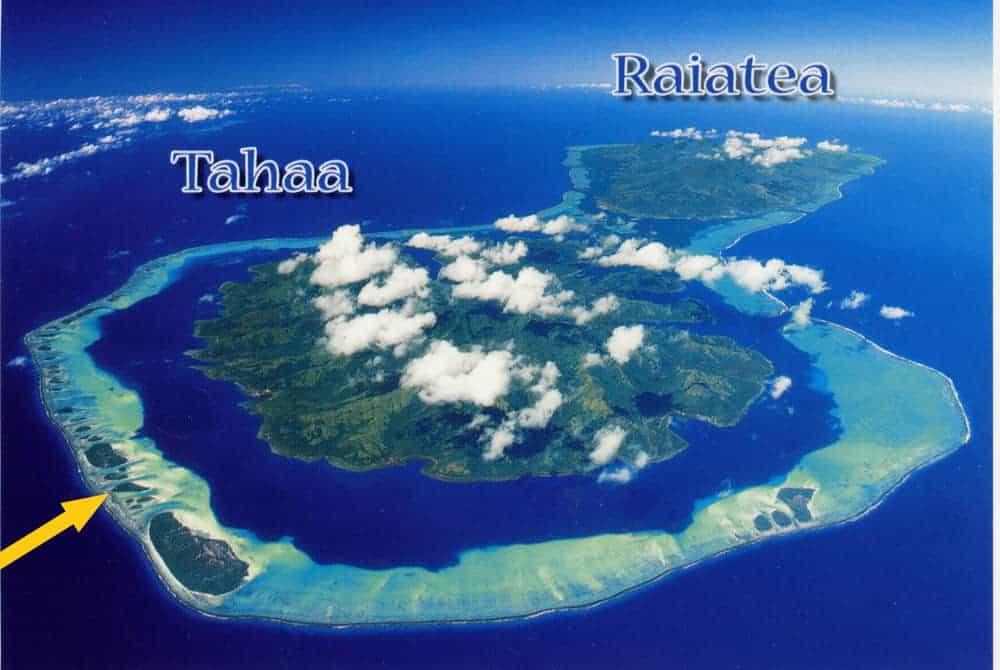 Aerial view of Motu Moie, on the edge of the reef surrounding Taha'a and Raiatea